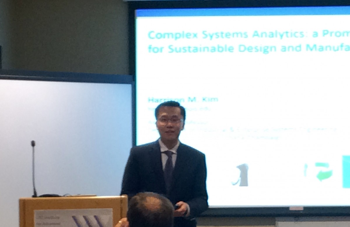 Harrison Kim presenting his seminar